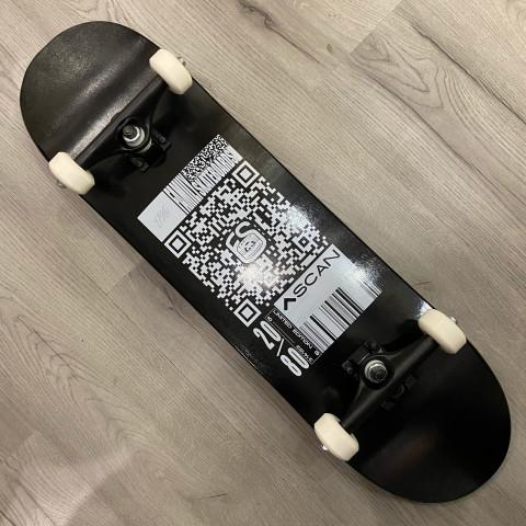 """Скейтборд FAMILY TEAM - QR BLACK FW 8.5"""""""